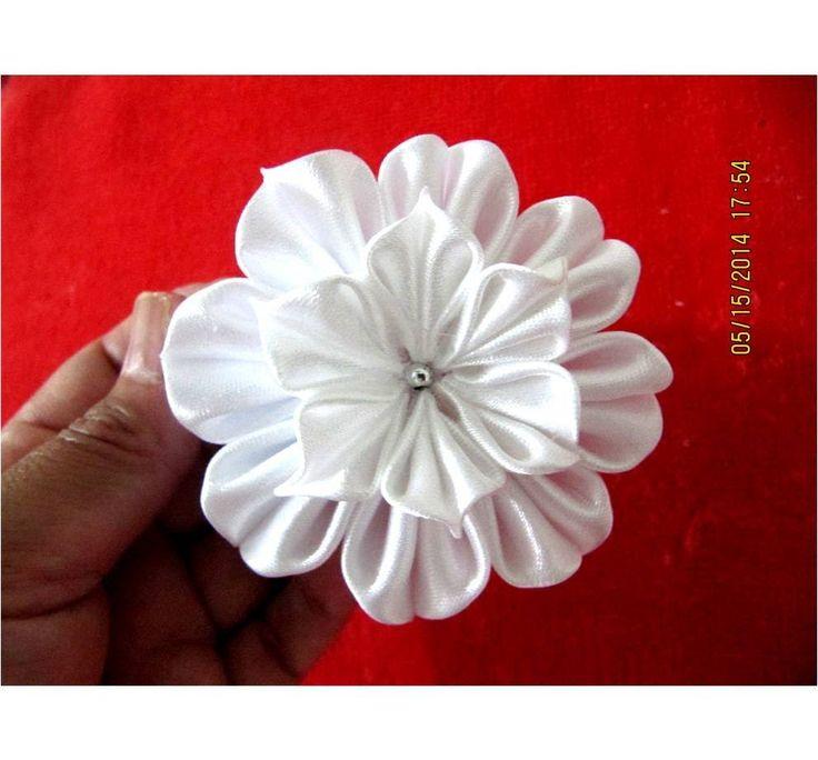 Flores blancas white flowers on ribbons en cintas para el cabello - víde...