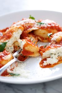 An Italian classic that never gets old... yum! Make it from scratch! // Homemade Ricotta & Spinach Filled Ricotta Pasta (DeLallo.com Recipes) #cheese #stuffed