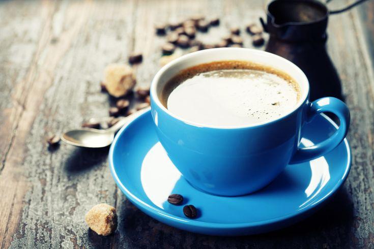 Ako rozpustiť tuk na bruchu? Skúste si každé ráno pridať do kávy túto jednu vec a uvidíte, ako rýchlo začne vaše telo spaľovať tuky!