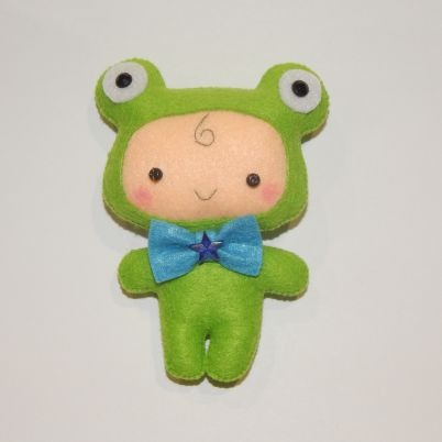 Make a Cute Baby Frog From Felt