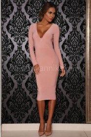 mittellanges kleid mit langen Ärmeln in rosa, rosa kleid knielang, knielanges kleid in rosa, zart rosa kleid mit langen Ärmeln, langärmeliges kleid in rosa, altrosa kleid mit langen ärmeln, partykleid in rosa, kleider online bestellen, myannika kleider