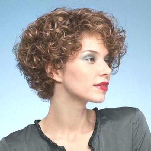 Kurze Lockige Frisuren Sie lieben absolut - Natürliche Alternative Heilmittel -...  #frisyrer #Frisuren #nouvellecoiffure #hairstyle