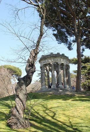 Parque El Capricho, Madrid's Most Photogenic Park - Gee, Cassandra