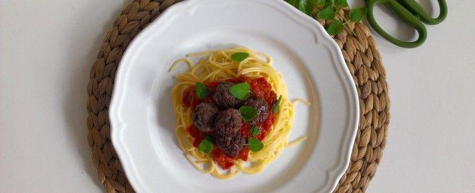 Masové kuličky s rajčatovou omáčkou / Meatballs