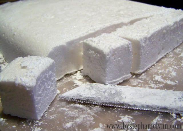Homemade Marshmallows and Hot #Chocolate by Stephanie Lynn on iheartnaptime.net
