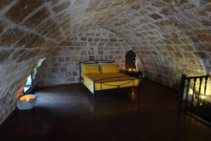 ILIOS house bedroom.