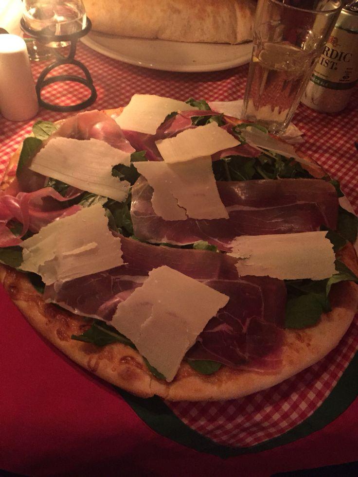 The best pizza at Tiramisu Santiago