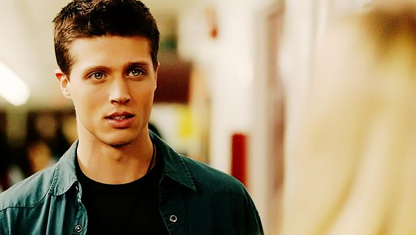 brock kelly! OMG this dude played young dean.. And OMG he is so freakin hot!!