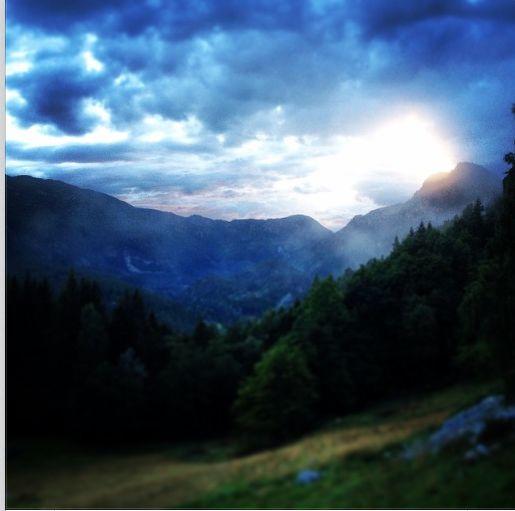 LoTR sunset @ Dragedalen Farm