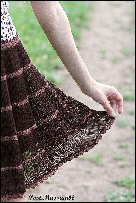 Vestido a crochet con falda horquilla