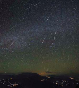 ¡No te lo pierdas! Hoy espectacular lluvia de estrellas Leónidas – El Heraldo de San Luis Potosi http://elheraldoslp.com.mx/2014/11/17/no-te-lo-pierdas-hoy-espectacular-lluvia-de-estrellas-leonidas/