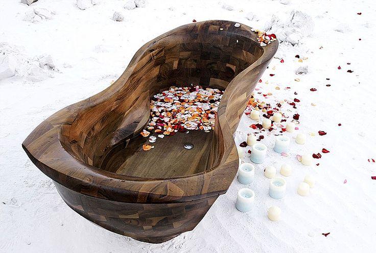 Dřevěná vana MANTA - dřevo ořech http://podlahove-studio.com/content/40-drevene-koupelny-drevene-vany-a-umyvadla
