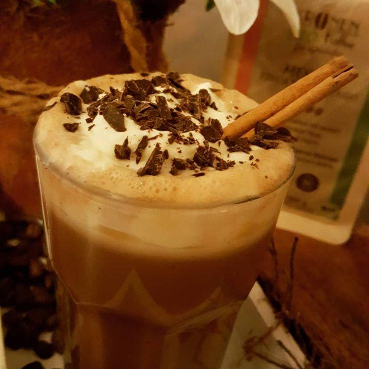 #Berlin, 2°C, 🌨️#Schnee ☕🍫 Da hilft nur mexikanischer Kaffee von Kronen Kaffee mit Schokolade und Muskatnuss 😋 👉 Mehr über #Kaffee in #Mexiko http://bunaa.de/de/mexiko/