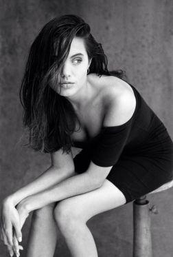 El fotógrafo Robert Kim le hizo una extensa sesión de fotografías a Angelina…