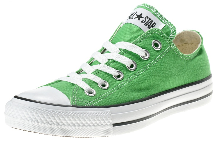 Scarpa di ispirazione basket. Tomaia in canvas e suola in gomma vulcanizzata.    Prezzo: 72.90€    SHOP ONLINE:    MEN http://www.athletesworld.it/converse-all-star-ox-canvas-converse-8897252    WOMEN http://www.athletesworld.it/converse-all-star-ox-canvas-converse-5897252