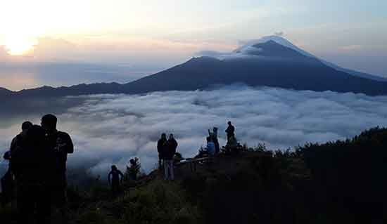 Mount batur sunrise trekking kintamani bali