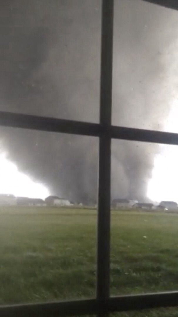 No storm celler you look out your bedroom widow and see this sight what would you do? Washington IL
