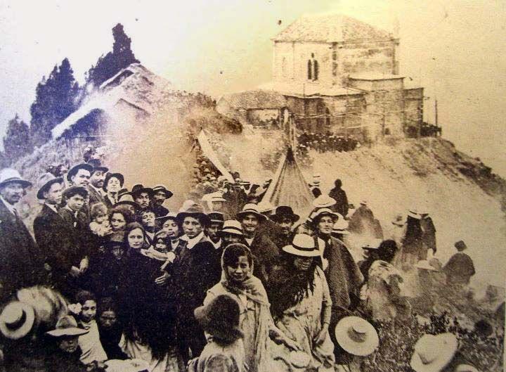1910, Construcción de la iglesia en el cerro de Monserrate - Bogotá, Colombia