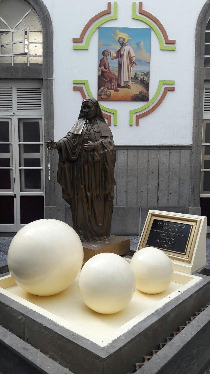 Hospital Sagrado Corazón. Guadalajara, Jal. Fundado por Santa María de Jesús Sacramentado Venegas. 1a.Santa Mexicana