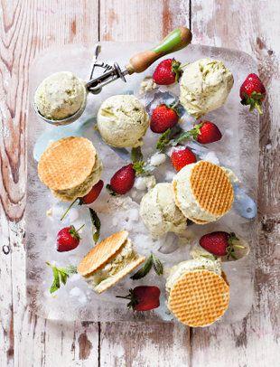 pistachio ice cream wafer