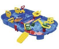 Aquaplay vannlek, sett med båtbane og sluse