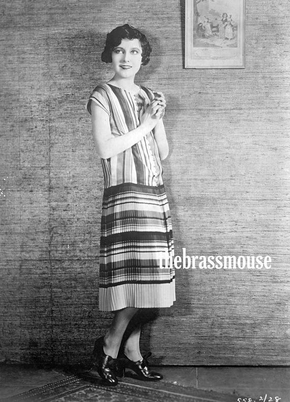 Instant Download Beautiful Lady 1920/'s Vintage Photo Scrapbook Photos