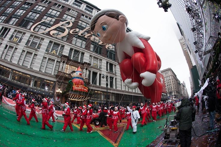 Use our quick guide to the Macy's Thanksgiving Parade for the ultimate holiday experience. #ReserveNYC http://www.reservenewyorkcity.com/travelguide/a-quick-guide-to-the-macys-thanksgiving-parade/