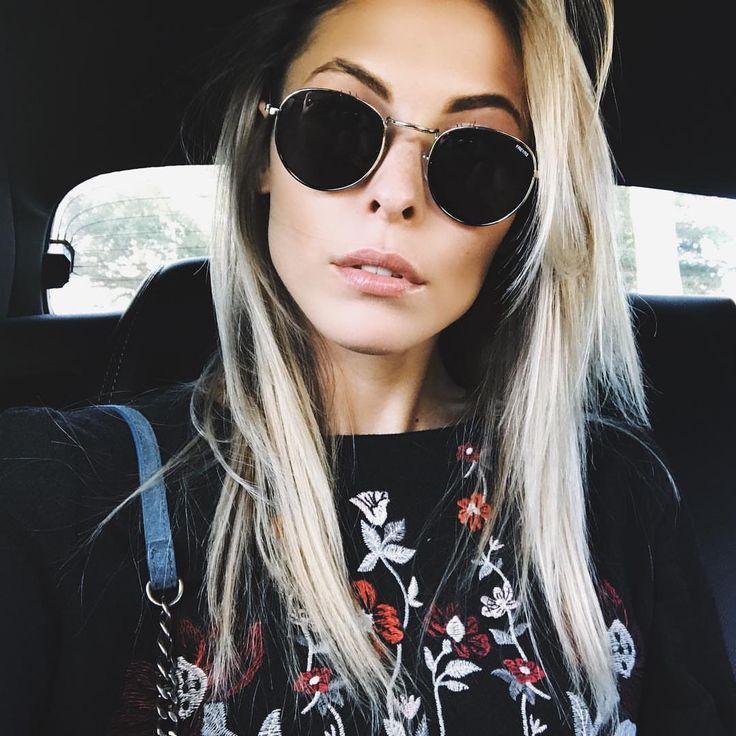 Anita Lashey in Freyrs Round Metal Sunglasses #sunglasses #shades #fashion #streetstyle #bloggers #models #topmodels #gafas #gafasdesol #lunettesdesoleil #occhialidasole