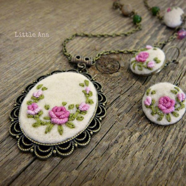 Medalion Rose Garden made with love by Litlle Ana Accessoriies