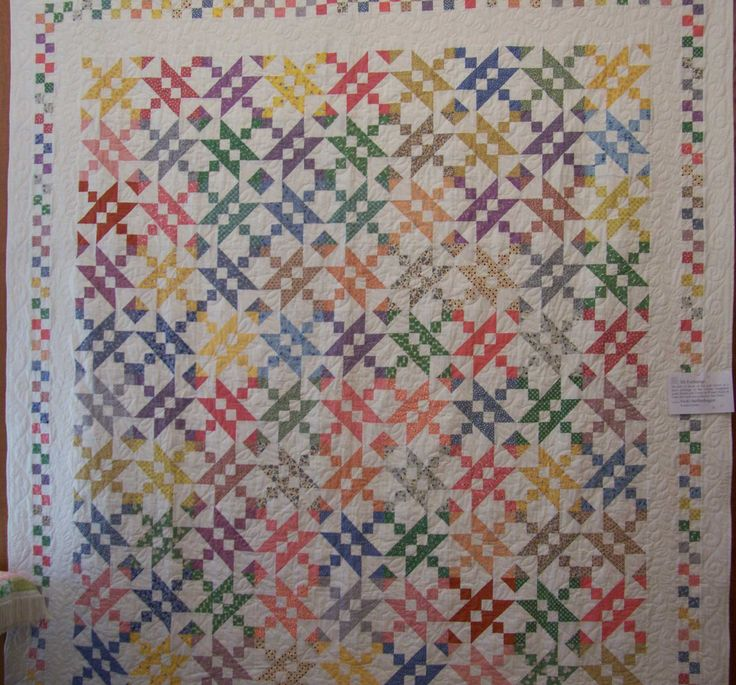 Quilting Patterns Instructions : 17 Best images about JEWEL BOX QUILT on Pinterest Glow, Black backgrounds and Quilt