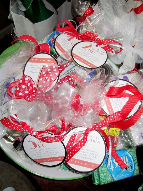 A Bushel and a Peck of FUN: Elementary Teacher Christmas Gift. Could
