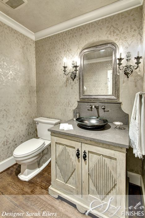 Love the idea    but with a little more grudge  This powder room mixes old world with a bit of shimmer   Stenciling with a thinned layer of metallic paint. 1000  ideas about Metallic Paint Walls on Pinterest   Metallic