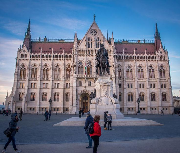 Download The Parliament - Budapest editorial photography. Image of statue - 106684247
