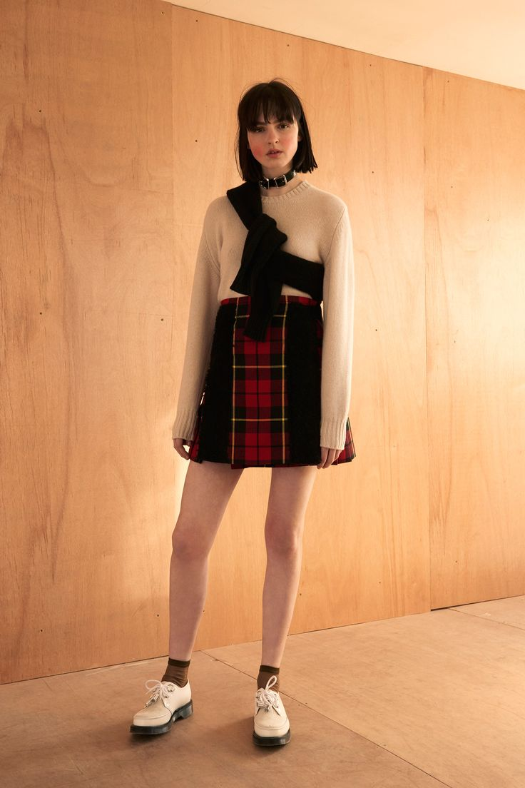See the complete Le Kilt Fall 2016 Ready-to-Wear collection.
