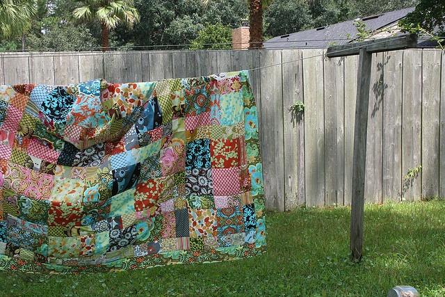 Quilt Hanging On A Clothesline Clothesline Pinterest