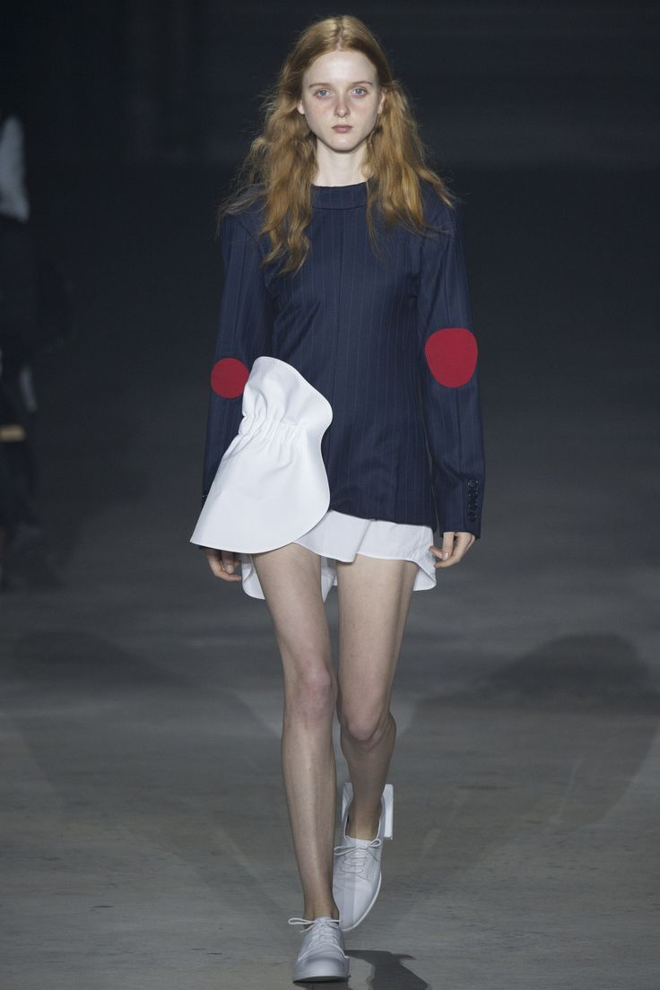 http://www.vogue.com/fashion-shows/spring-2016-ready-to-wear/jacquemus/slideshow/collection
