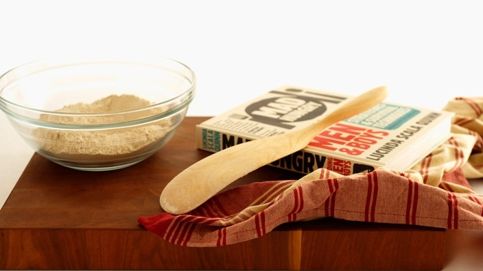 Kitchen Carvers Spurtle  a combination spoon and spatula, need this: Kitchens, Carvers Spurtle, Lucinda Scale, Food, Spurtle Lucinda, Scale Quinn, Kitchen Carvers, Kitchen Things