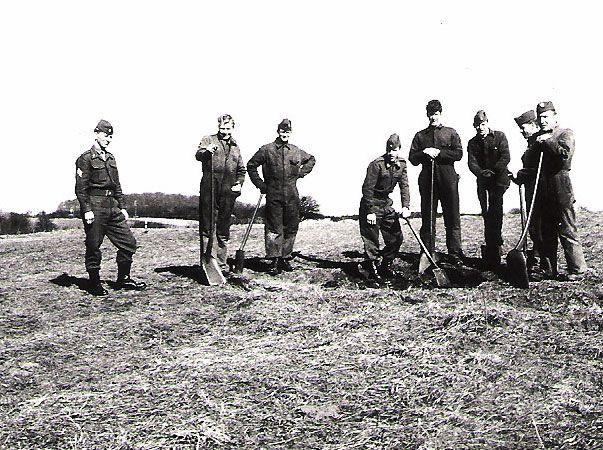 En tur på fælleden med skovl og spade