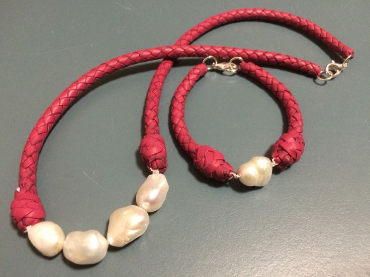 Project from leather in dimensions. Tutor Rick Rowbottom. #necklace #plainting #leather #pearl