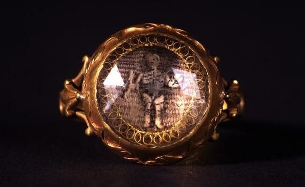 18th century Mourning Ring - with skeleton.
