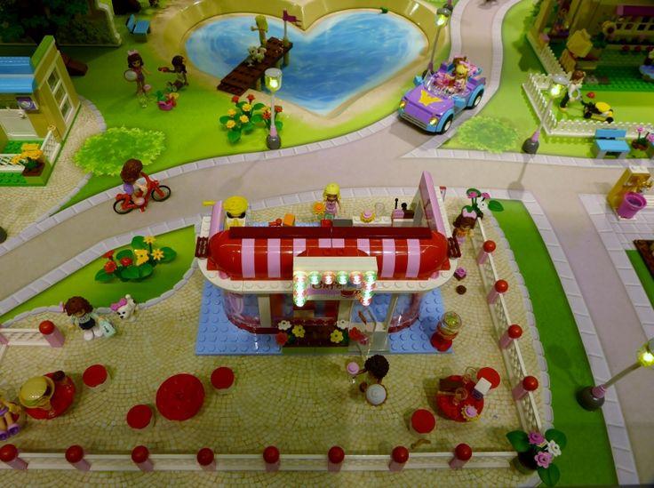 30 besten lego tisch bilder auf pinterest lego tisch filzspielmatte und spielmatten. Black Bedroom Furniture Sets. Home Design Ideas