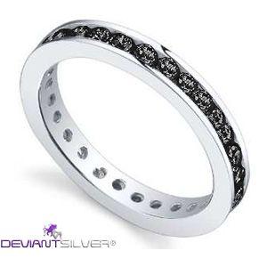 """Gli anelli fedine con luminosi zirconi neri, gioielli in Argento 925/1000: la fedina """"BABY DARK"""" è un gioiello caratterizzato dalla rivière di luminosi Zirconi color nero a tuttogiro nell'argento di finitura lucida."""
