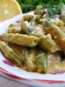 Стручковая фасоль по-венгерски - это фасоль тушеная в мучном соусе. Безумно вкусное и полезное блюдо. Его можно подавать как закуску, ил...