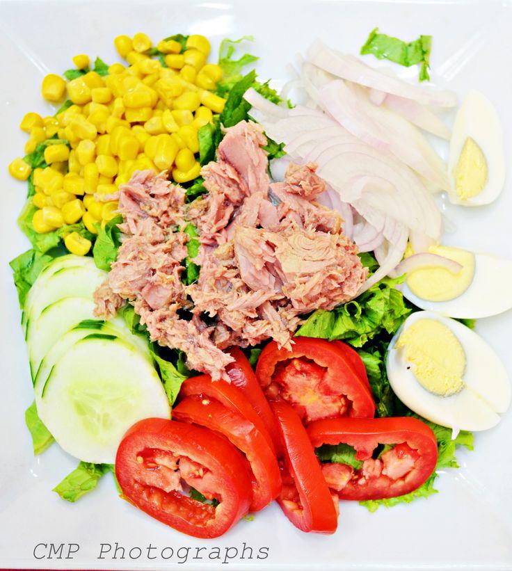 Cata. Me encanta cocinar y como no disfruto con la comida, además adoro la fotografía.