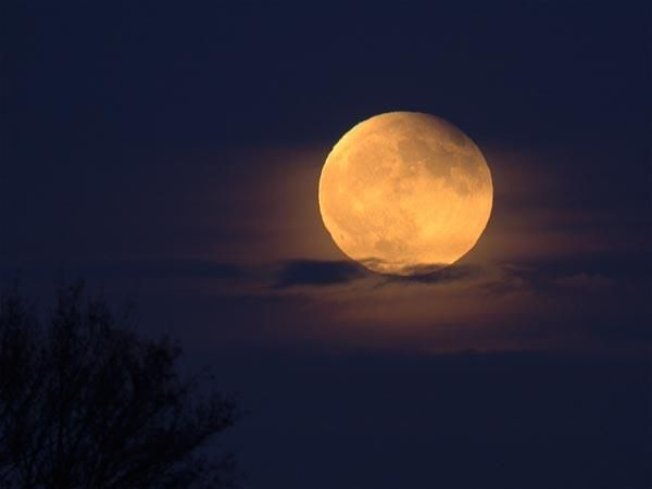Milky way scientists Lunar Eclipse Today - On April 25-26, 2013,