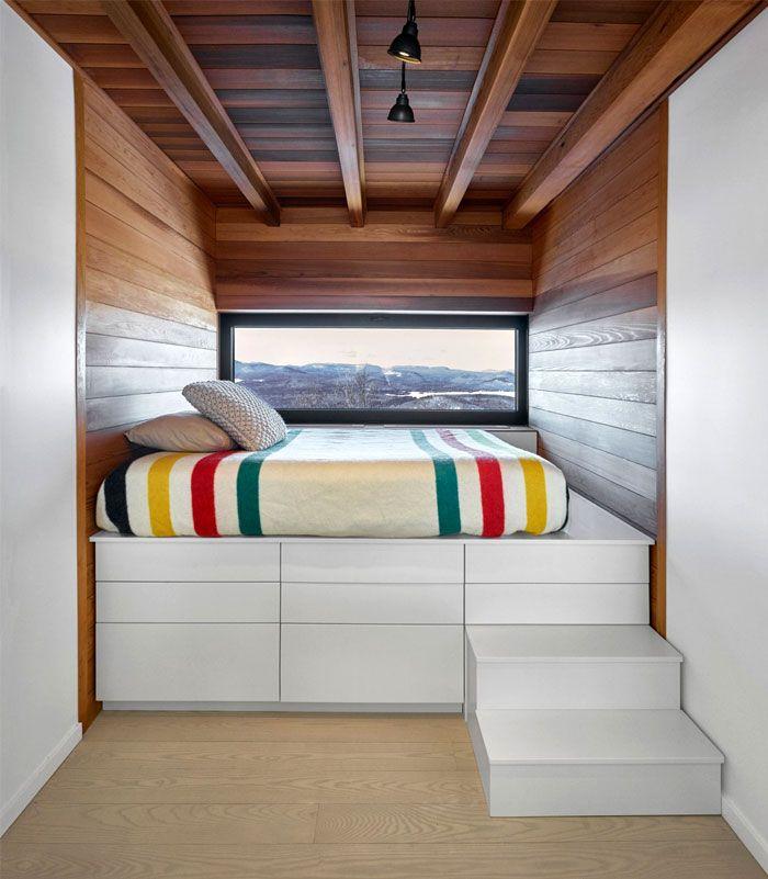 Beautiful modern bunky platform bed in wood paneled bedroom // Ski chalet, cabin decor // Hudson's Bay Point Blanket