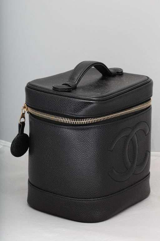 64e1b67060bc For Sale on 1stdibs - Chanel black caviar skin vanity bag with zipper  closure.