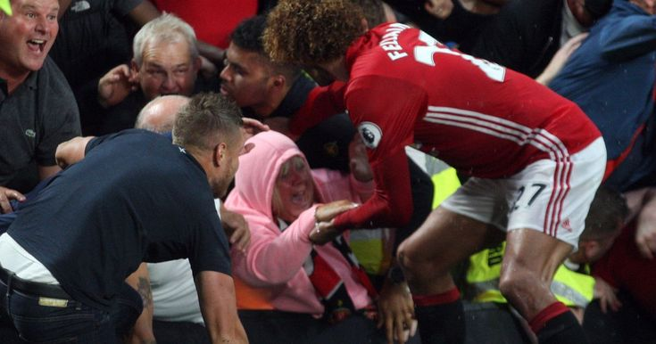 Gran praises 'hero' Manchester United star Marouane Fellaini after he rescued…