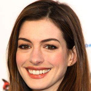 Anne Hathaway - Film Actress - Biography.com