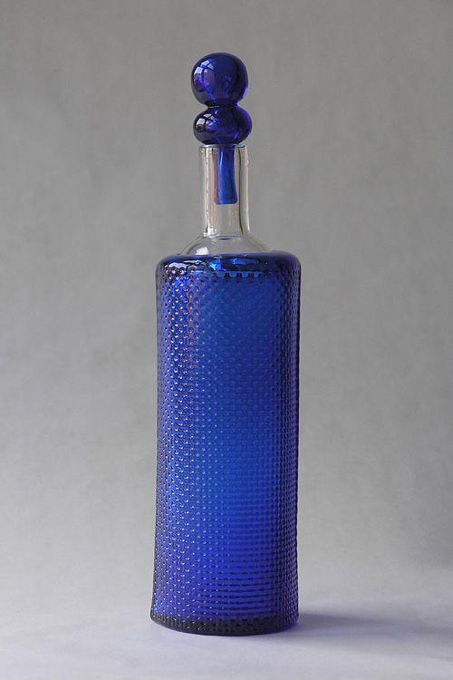 Markku Salo. Bottle hight c. 240 mm Weight c. 400 g.  Signed